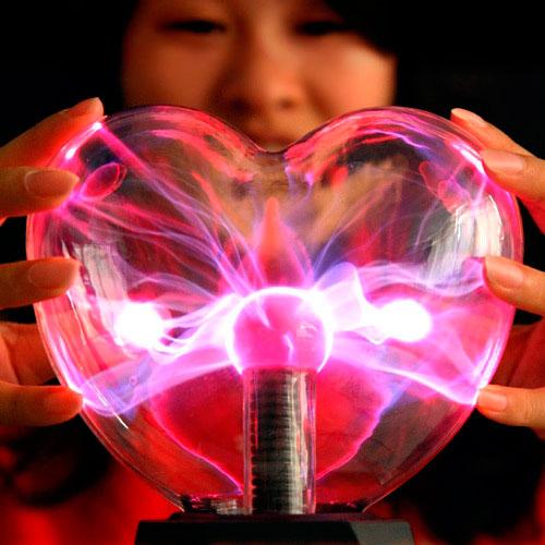 Lámpara de plasma con forma de corazón